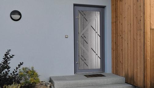 Une porte d'entrée PVC Tryba peut être fort esthétique